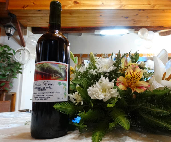 Vino cabernet sauvignon Doña Ester, producido y envasado en La Bodeguita de Muñoz